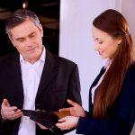 Vendedor de móveis: 11 dicas infalíveis para fazer um bom atendimento